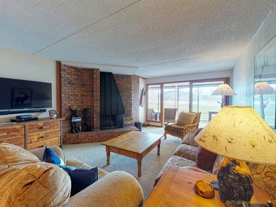 Photo for Lakefront condo w/ enclosed patio, great views & shared pool/hot tub!