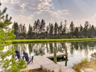Photo for Lodge on the Deschutes River w/dock, hot tub & disc golf-dogs OK