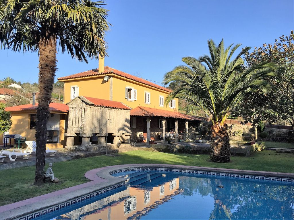 House rural tourism in Minho with pool