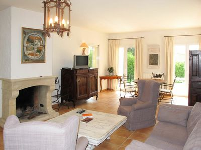 Photo for Cosy apartment for 6 guests with WIFI, A/C, private pool, TV, balcony and parking