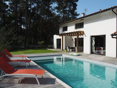 Photo for Ondres: Splendid Villa with heated pool between ocean and pine forest