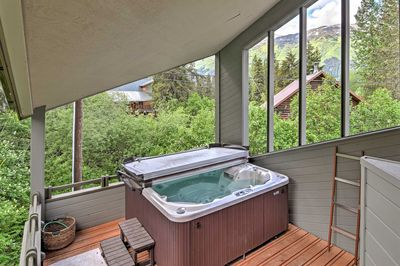 Sit back and relax in the private hot tub or ease your muscles in the sauna.