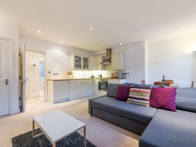 Photo for Ideal one bedroom apartment close to Oxford Circus Area, Central London (FS3)