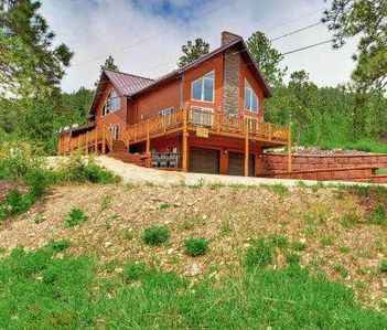 Breathtaking Views of the Black HIlls in Terry Peak Sleeps 21