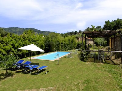 Photo for Sparkling 6 bedroom Villa in Lucca (Q6747)