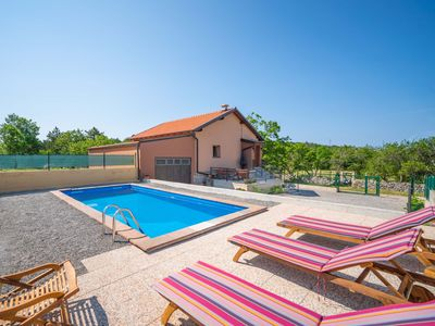 Photo for Lovely apartment for 5 people with private pool, WIFI, TV and parking