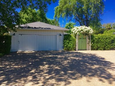 Photo for Wine Country Retreat w/ large Spa and 10 Bikes, walking distance to Sonoma Plaza