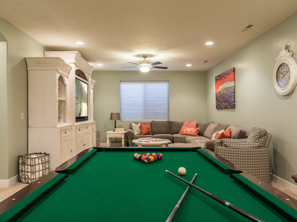 *From $359/NT* Private Hot Tub/Lawn, Pool T...   HomeAway