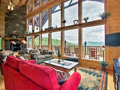 Photo for 'Heavenly Vista' at Crown Point Cabin w/Spa, Views