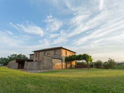Photo for Apartment in the Chianti 4 km from Siena