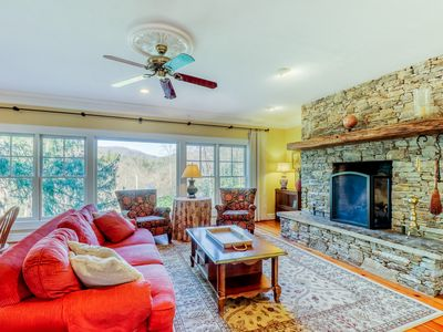 Photo for Large home with river access, fireplace & covered porch - nearby fishing!