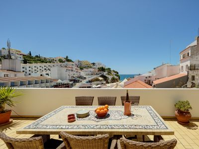 Photo for Beautiful Penthouse with sea view and 30 meters from the beach