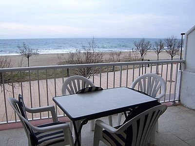 Photo for Ideally located in front promenade, sea view, FEET IN THE WATER