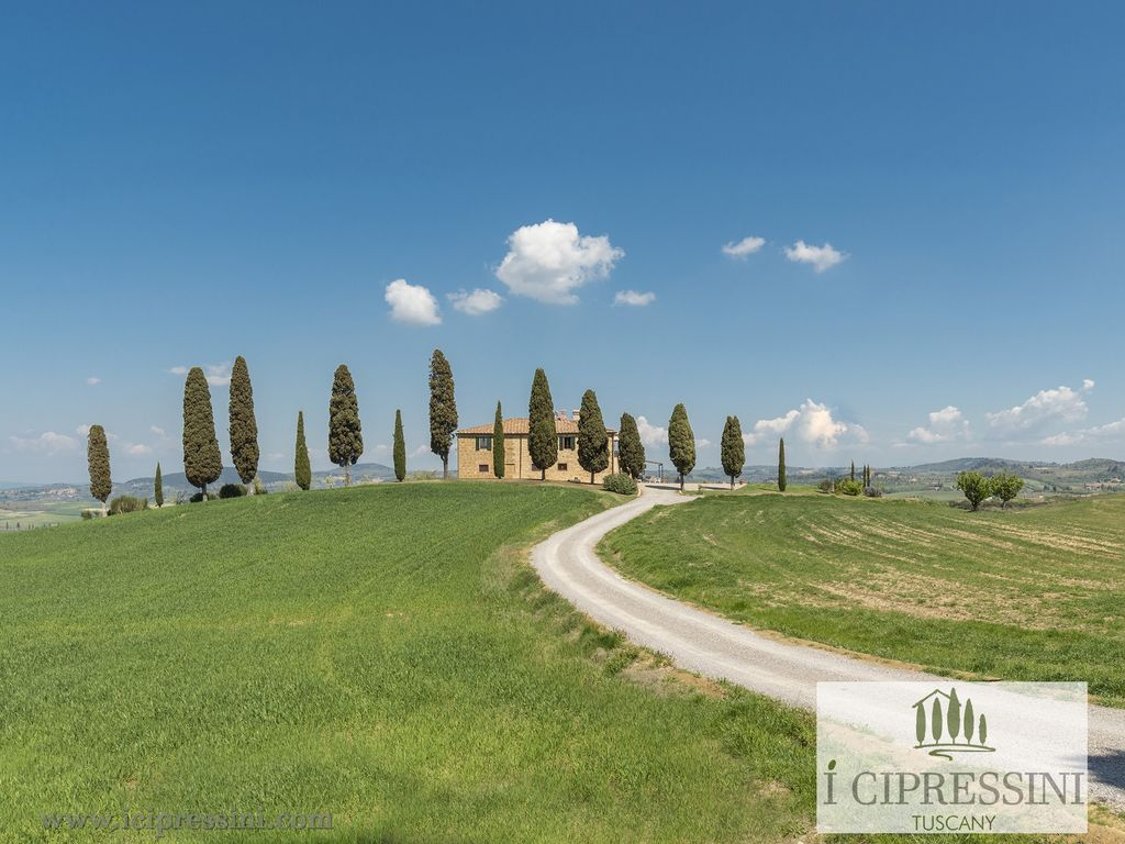 Villas Near Siena Italy the original symbol of tuscany private luxury villa, pool spa pienza siena  italy - pienza