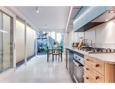 Photo for Renovated terrace in the heart of historic Sydney