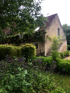 Photo for Comfortable cottage / 17th century domain