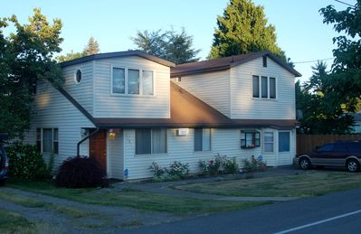 Photo for Large Well Furnished, Seatac Home. Close To All That Seattle Has To Offer