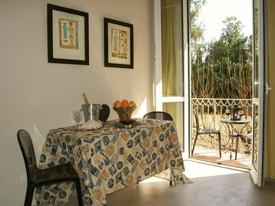 Photo for Cavalcanti II apartment in Oltrarno with WiFi, air conditioning & private terrace.