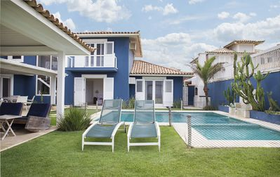 Photo for Beautiful house with five suites, at the foot of the beach Rasa