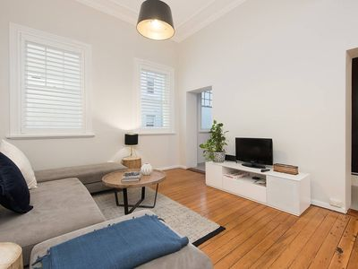 Photo for SPACIOUS ONE BEDROOM - Heart of Potts Point H333 - One Bedroom Apartment, Sleeps 4
