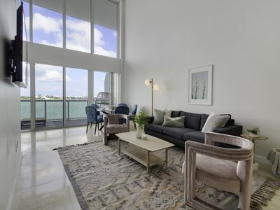 Photo for Harbor Island Condo 11 -10 minutes from Brickell, 10 minutes to South Beach