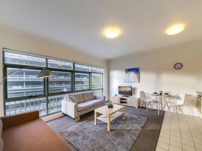 Photo for A Homely & Spacious CBD Apartment on Flinders Lane