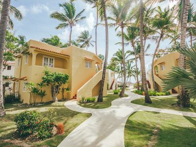 Photo for Los Corales Beachfront Suite v22
