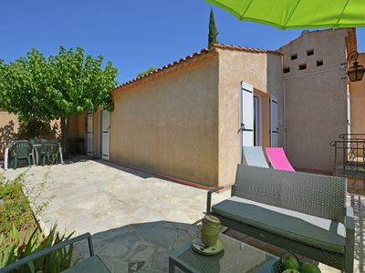 Photo for Beautiful villa with covered swimming pool in the charming town of Uzes