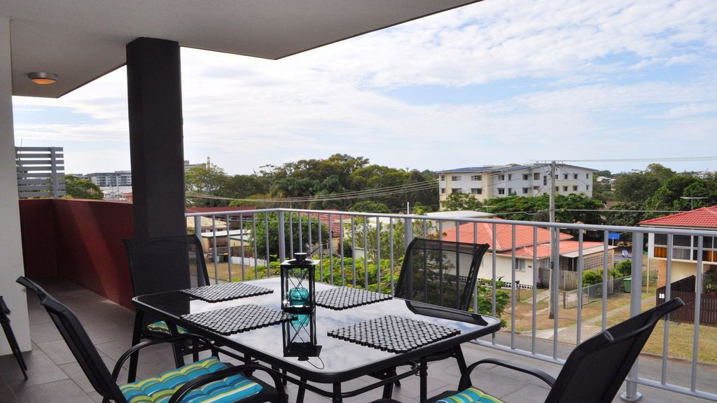 Modern apartment in the heart of Redcliffe!