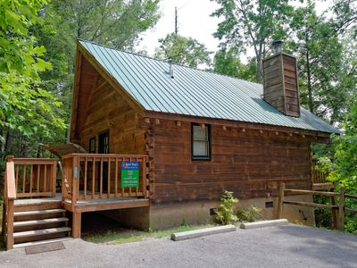 One Bedroom Cabin Near Downtown Gatlinburg