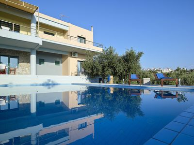 Photo for Cosy Modern Villa -Large Private Pool - close to a beautiful sandy beach