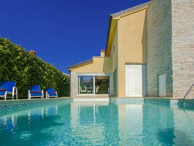 Photo for Luxury villa with private pool with sea view  close to the city center of Poreč