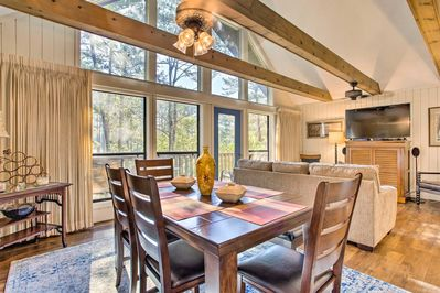 This vacation rental condo is right on the Keowee Keys golf course.