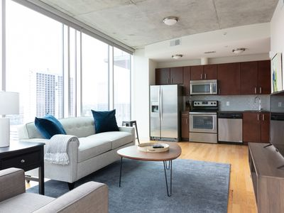 Photo for Pretty 2BR | Rooftop Pool | Downtown Houston