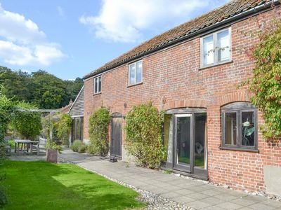 Photo for 3 bedroom accommodation in East Somerton