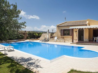 Photo for Private villa with pool and views of Mount Cofano