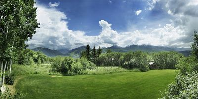 Our yard & cabin built for kids with Mnt views of Aspen,Highlands,Snowmass,Butte