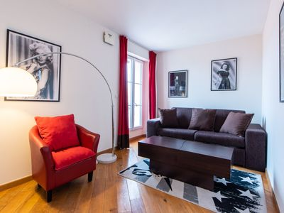 Photo for Modern 1Bed Apt W/Decorated int, Sleeps 4