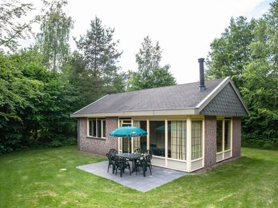 Photo for 4-person kids bungalow in the holiday park Landal Aelderholt - rural location