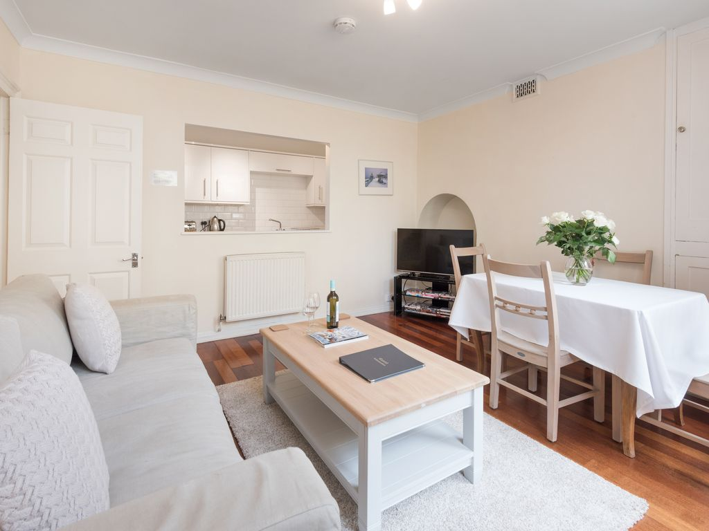 Superb Hove Apartment Rental