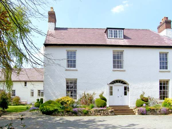 Bishop S Castle Holiday Cottage The Old Schoolhouse And