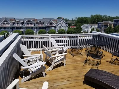 Photo for Vacation in paradise 3 BR, 2.5 bath, decks, patio, private pool access