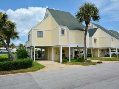 Photo for 3 Bedroom condo #18 has gorgeous sunsets and close to the beach!