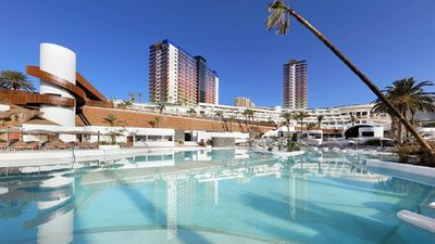 Photo for FRONT LINE 1 Bedroom Apartment. Free access to Hard Rock beach complex. Sleeps 4