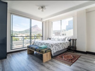 Photo for Apartment in the heart of Cape Town with mountain views