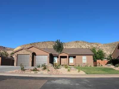 Photo for Beautiful 3 Bedroom Home in Quiet Neighborhood Close to Zion National Park