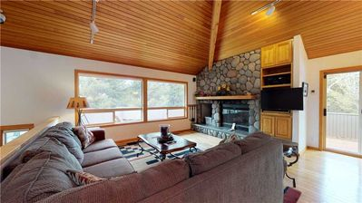 Photo for 6 Summit View Lane: 3 BR / 3.5 BA home in Sunriver, Sleeps 8