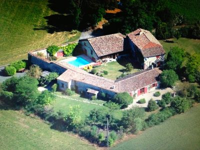 Photo for Super Farm 17th, 2 wings 8 pers, swimming pool, park., Bastide view 1.5 kms
