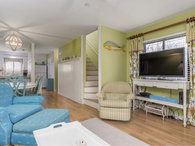 Photo for Sleeps 8, Outdoor Pool, FREE Linen & Towel Pkg on 7-night stays!!!