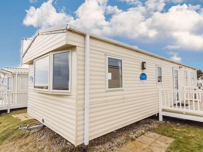 Photo for 8 berth caravan to hire with a full sea view at Kessingland Holiday park - 90014